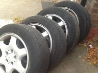 Mercedes. Alloy wheels. With all good tyres