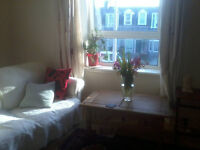 2 rooms to let in fully furnished 3 bedroom flat in holburn area gas central heating and internet