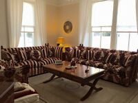 PARKER & FARR LUXURY SUITE. Grande sofa, large sofa and chair. Excellent condition.