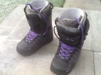 Women's Snowboard Boots - Size 5- Thirtytwo's Lashed -Excellent Condition