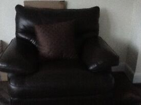 Leather look a like sofa excellent 2 piece
