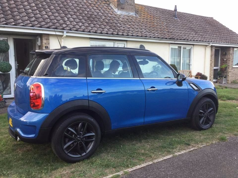 mini countryman cooper sd, former driving instructor car. just had new breaks, new clutch in august.