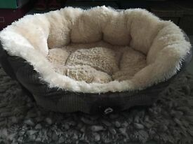Yap Cozy Dog Bed, small/med dog in good condition