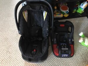 Britax B-Safe 35 infant car seat with second base