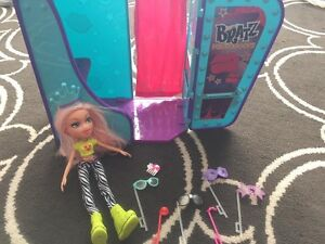 Brats doll with photo booth
