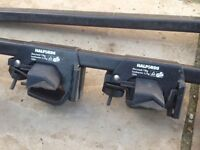 Halfords roof bars. Type 3 for cars with factory fitted roof rails