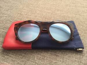 LE SPECS 'neo nior' Sunglasses Kotara Newcastle Area Preview