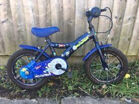 Boys small kids bike no stabilisers lots of life left