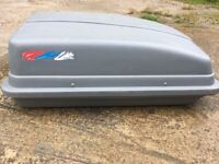 Halfords roof box 250L