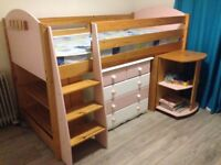 stompa cabin bed in pine and pink