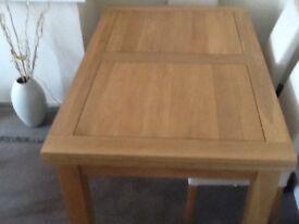 Oak Furnitureland Solid Oak Extending Dining Table