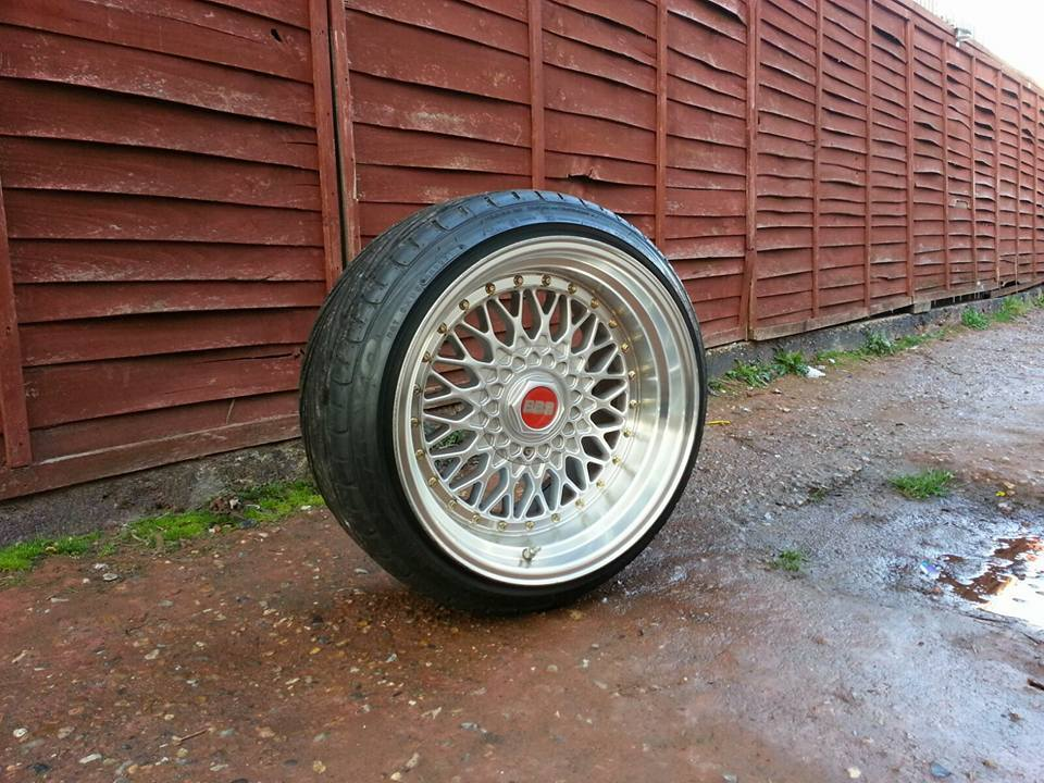 17 Inch Staggered Deep Dish Bbs Type Alloy Wheels And