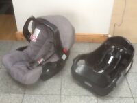 Graco baby car seat with swing-over carry handle ,hood and base-for newborn upto 13kg-£25 for set