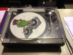 Technics turntable sl1200 black sl1210 mk 2 Campbelltown Campbelltown Area Preview