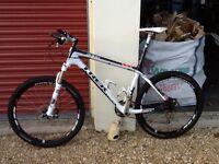 Trek Elite 9.8 Carbon Fibre Hardtail Mountain Bike 2010