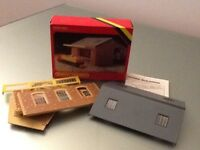 HORNBY TRAINS R506 GOODS SHED IN BOX FROM 1970/80's