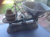 set of scales good condition only £10.00