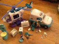 ANIMAL HOSPITAL RSPCA PLAY SET WITH LOTS OF ACCESSORIES