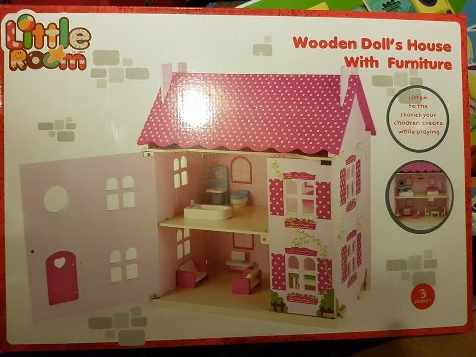 DOLLS HOUSE WITH FURNITURE BRAND NEW IN BOX