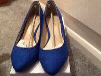 Cobalt blue kitten heels size 5