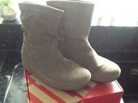 Excellent condition, women's Fitflop boots, grey, size 5
