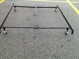 Double size bed frame with centre support