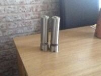 Battery operated salt n pepper