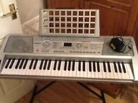 Electric keyboard in excellent working order