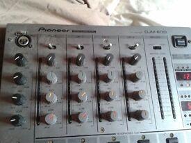 pioneer djm 600 mixer goes great with pioneer 1000s 2000s 900s 800s