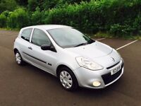 2011 Renault Clio ' BIZU ' Model ** LOW MILES/STUNNING CONDITION ** (a3,a4,corsa,golf,leon,207)