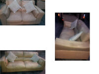 TAN LEATHER 3 SEATER AND 2 SEATER CURVED SOFA VERY COMFY AND CHUNKY DESIGN VIEWING WELCOME