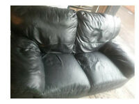 BLACK LEATHER TWO SEATER SOFA FROM SCS ULTIMATE COMFORT AND MODERN DESIGN