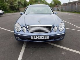 Mercedes w211 E240 Estate automatic ,petrol,satnav with dvd,1 year Mot,leather seats,great runner.