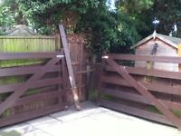Double Five Bar Gate
