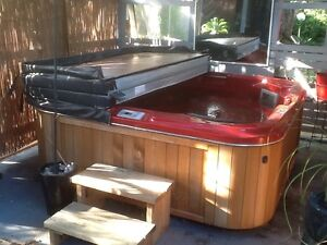 Red heritage spa with disco lights & ozone feature Narre Warren Casey Area Preview