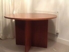Dinning round table, Solid Oak
