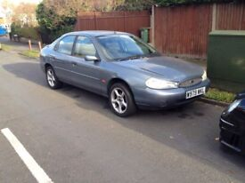 Ford Mondeo silver 2000 Hatch back 2.0 petrol ZETEC £250 TODAY ONLY