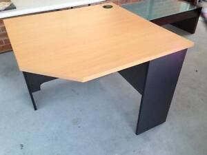 Large Desk Maryland Newcastle Area Preview