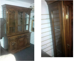 STUNNING WALL DISPLAY UNIT SOLID WOOD BEAUTIFUL DESIGN WITH GLASS TOP DOORS AND GLASS SIDES