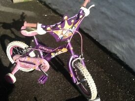 Girls 'Princess' Bicycle with stabilisers