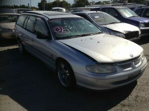 Holden commodore 2000 wrecking all parts available Roxburgh Park Hume Area Preview
