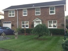 Luxury Studio, En-suite, Double Furnished-Bucks SL2 -Own Parking INC £175. Per week