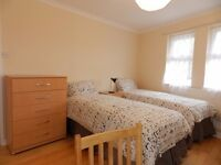 Great Twin Rooms, For 2 Friends Sharing, in Clean and Friendly Shared House, Zone 2. All bills inc.