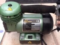air compressor mini was used for nails