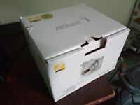 Nikon 1 J5 with box, all cables, strap, manual and Nikkor 10-30mm wide angel lens