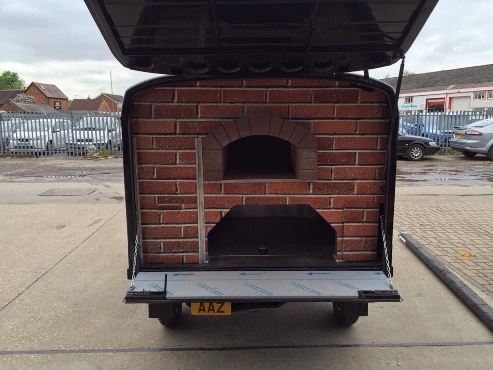 piaggio ape pizza van business converted with mezzo 76 wood fired