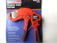 PLASTIC PIPE CUTTER - SEALY TOOLS