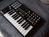 AKAI MPK 25 USB MIDI Controller Keyboard