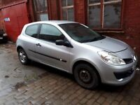 BREAKING 2006 renault clio mk3 1.2 16v all parts available