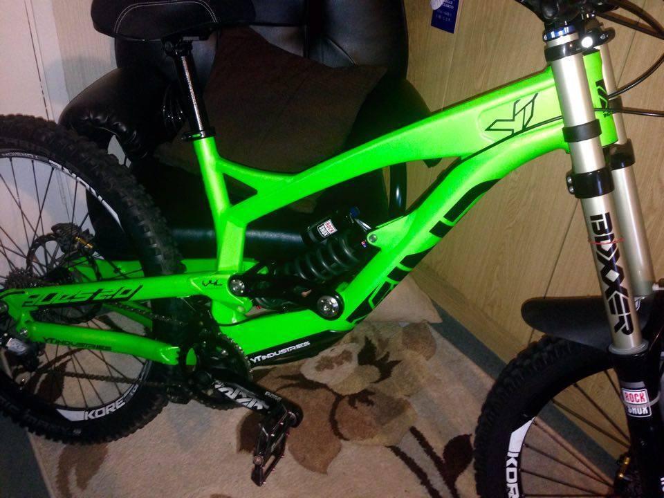 2014 YT TUES 2.0 Downhill Bike size Large (Bike is basically brand ...